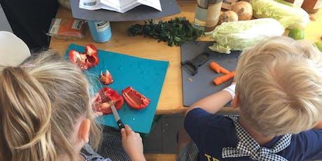 Kochkurs für Kinder - Wir kochen ein Weihnachtsmenü Tickets