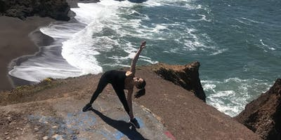 Flow yoga i Peak Performance med Rebecca Rovsing