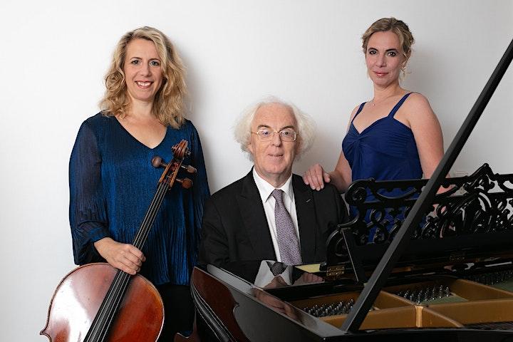 Afbeelding van Winterconcert: Oda (zang), Doris (cello) Hochscheid, Frans van Ruth (piano)