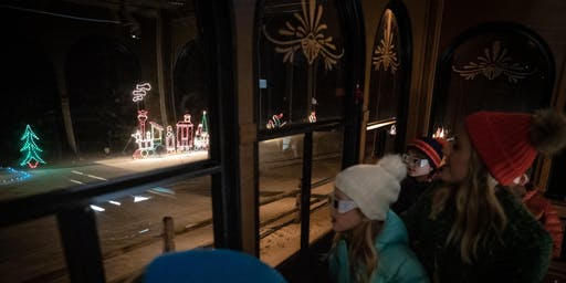 Trolley Tour of Lights at Grand Geneva Resort & Spa