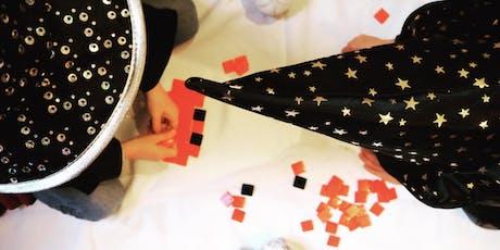 PIXEL CHALLENGE EN FAMILLE, Spécial Halloween | Chasse au street-art & Atelier Invaders en mosaïque billets