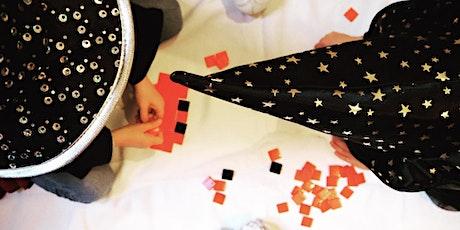 PIXEL CHALLENGE EN FAMILLE, Spécial Noël | Chasse au street-art & Atelier Invaders en mosaïque billets