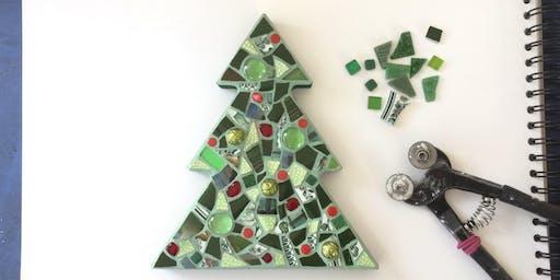 Christmas Decorations with @JudyJamJarMosaics