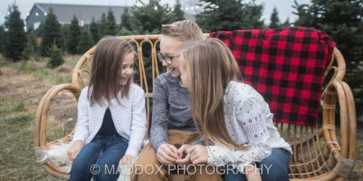 Reserve your spot for Maddox Photography Holiday Mini Sessions