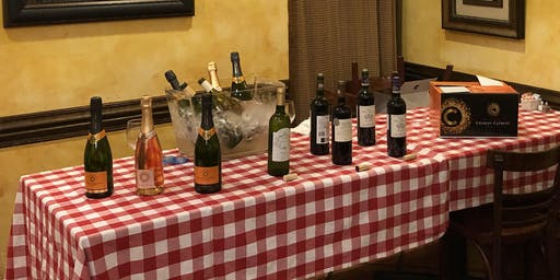 Sarasota wine walk présent Happy Winesgiving!
