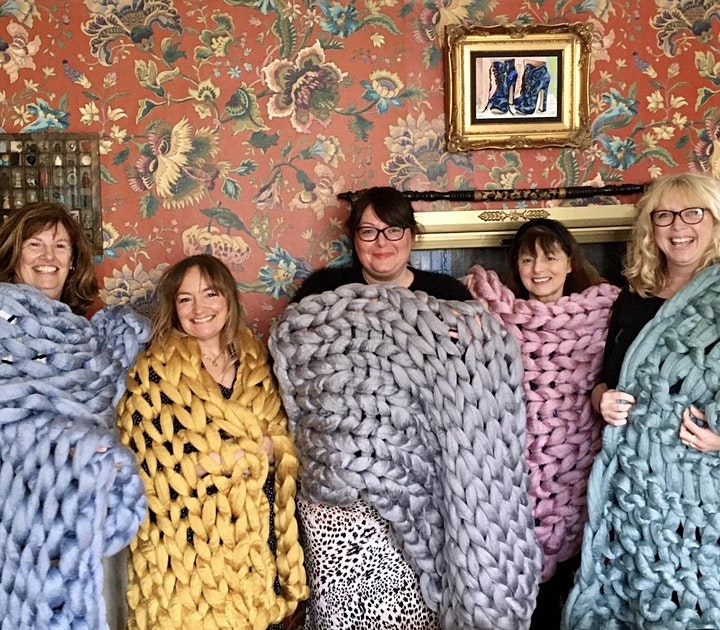 Perfect Chunky Arm Knit Throw Workshop image