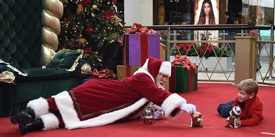 Belden Village Mall - 12/8 - Soothing Santa
