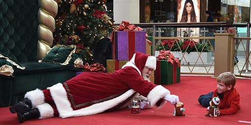Northridge Mall- 12/8 - Soothing Santa