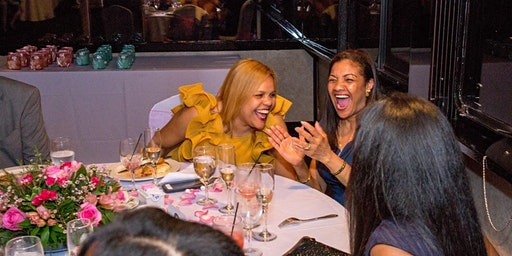 NYC Skyline 4-Hour Holiday Dinner Cruise with DJ & Dancing QUEENS