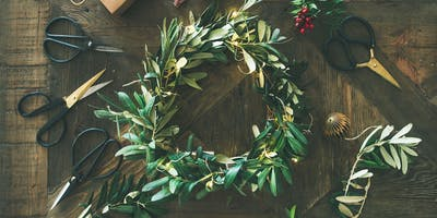 Christmas Wreath making workshop with bubbles and miniatures