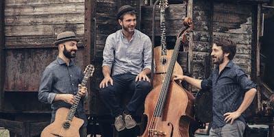 Accordi Disaccordi al Fiorio - Live Swing Music