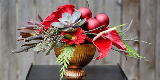 Christmas Themed Floral Centerpiece Workshop