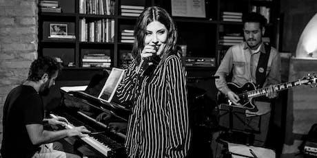 Bruna Góes canta R&B, autorais e Amy Winehouse no Porão ingressos