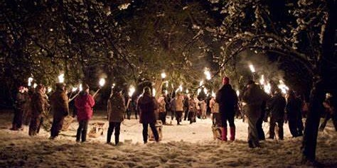 Wassailing afternoon with woodland fun