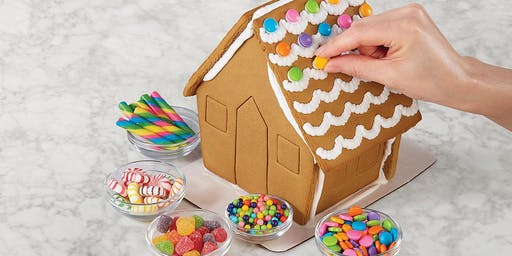 Gingerbread Decorating: Resort Holiday Activity