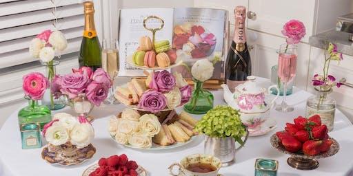 Service du thé et atelier de bouquet de fleurs