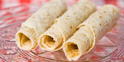Lefse making with the experts I