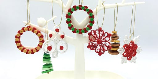 Dinithi's  Paper Quilling Christmas Ornament Workshop