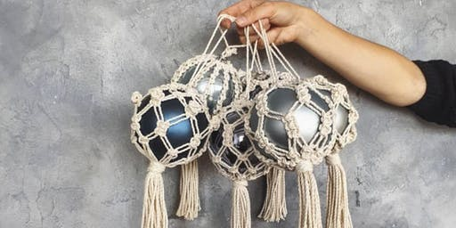 Macramé Christmas Ornament workshop