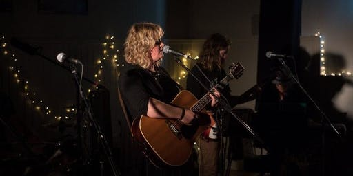 Heath and Andrea Robertson Duo in the Whisky Bar