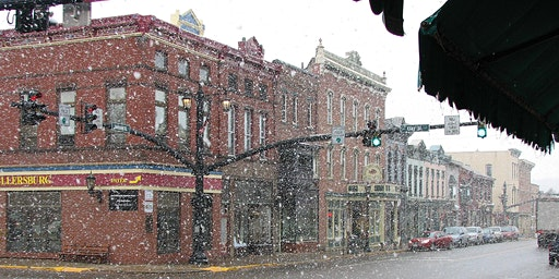 Christmas Season Shopping Fun in Downtown Millersburg