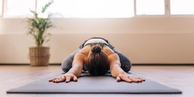 Rückbildungsyoga - Stärke deine weibliche Mitte.
