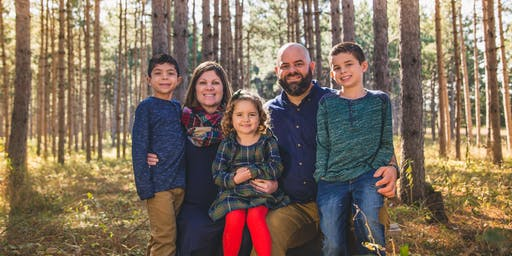 Holiday Tall Pine Mini Sessions 2019