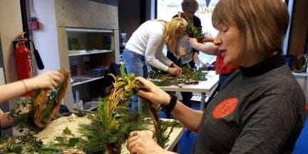 Make a Christmas Wreath