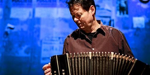 Carel Kraayenhof met Juan Pablo Dobal in Huizen (Noord-Holland) 14-03-2020