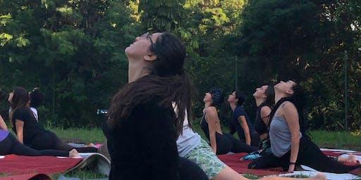 Aula Solidária Yoga for Syria no Centro de Tradições Veganas