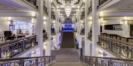 Foyer Führung durch den Friedrichstadt-Palast + Die wilden 20er Jahre Berlin Erlebnisbustour Tickets