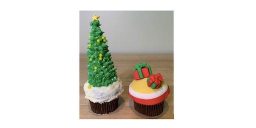 Cupcake Decorating at BubblePOP