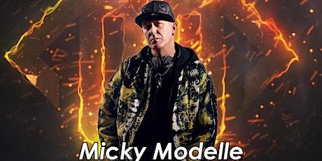 Micky Modelle with JESSY tickets