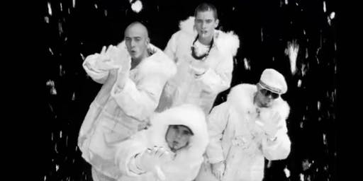 East 17 in E20 : The Christmas Lights Switch On