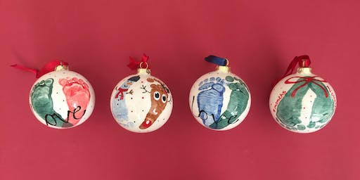 Christmas bauble decorating BS3