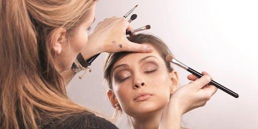 Schnupper-Workshop am Open Day: Glamour - Make Up zu den Festtagen