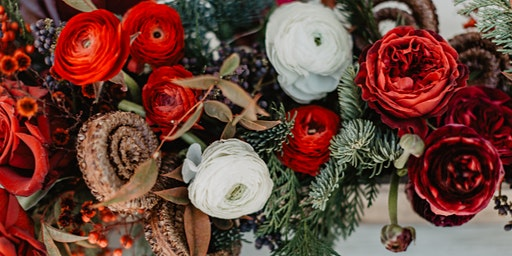 Create your own Holiday Centerpiece with LILIA