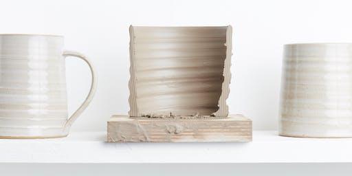 Make a mug. (Pottery workshop)