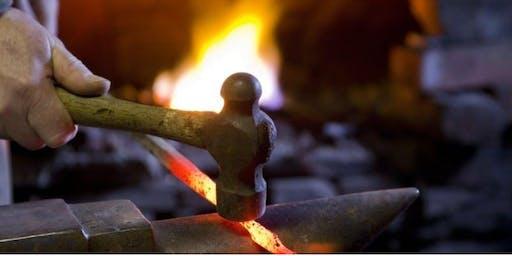 Cyflwyniad i Grefft y Gof   Introduction to Blacksmithing