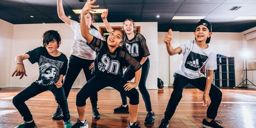 Gold's Gym Kids Dance Program
