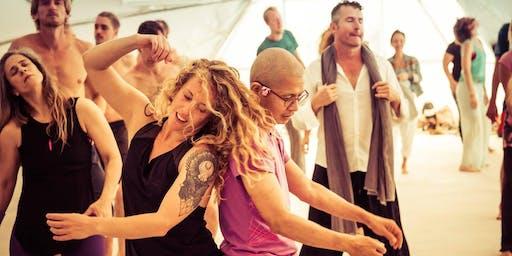 Contact Improv dance & cuddle party w Peter Petersen & Monique Darling