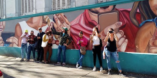 Domingo de Walking Tour Coghlan: arte urbano, paz suburbana