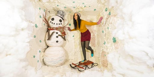 11/17/19 WINTER: Surreal Photo Booth Session With Karen Jerzyk