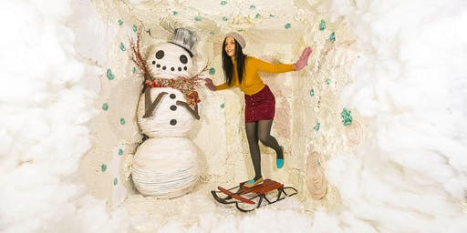 11/20/19 WINTER: Surreal Photo Booth Session With Karen Jerzyk