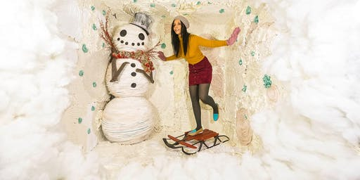 12/8/19 WINTER: Surreal Photo Booth Session With Karen Jerzyk