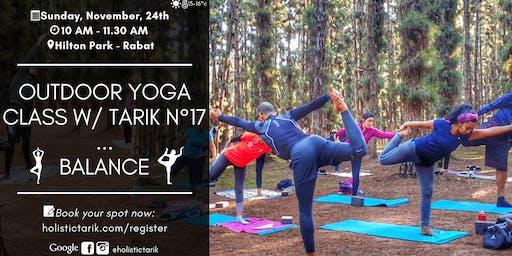 Outdoor yoga class in Rabat n°17: Balance