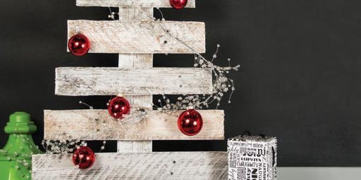 Christmas Tree Decorating for Cairns Artisan Fair