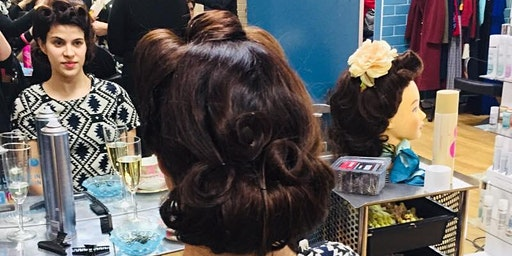 Pin-up girl hair styling workshop
