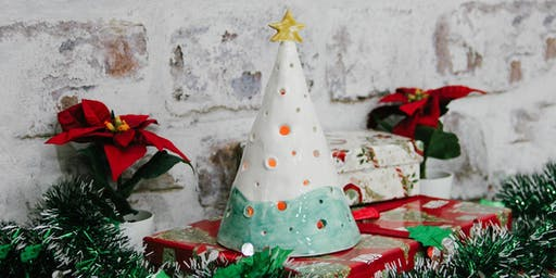 Clay  Workshop - Ceramic Christmas tree candle holder
