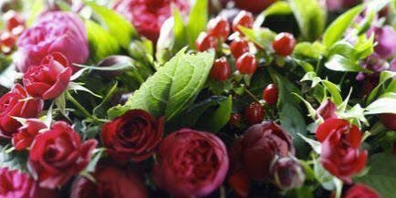 Christmas Floral Arrangement at the Tett